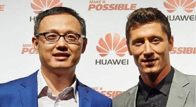 - Robert-Lewandowski-l'attaquant-polonais-du-Bayern-Munich-nouvel-ambassadeur-de-Huawei-en-Europe-2