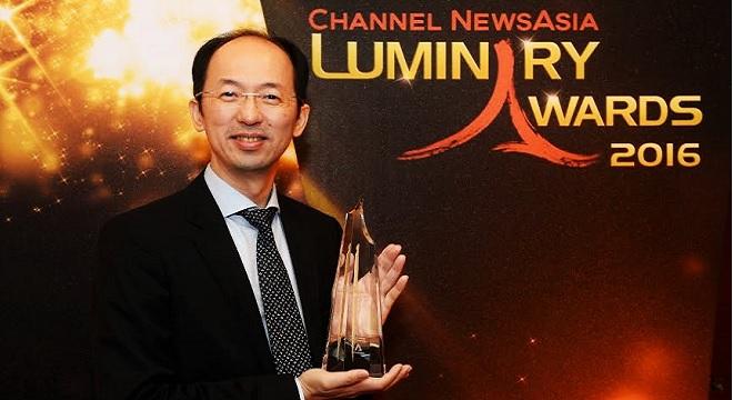 - ASUS-remporte-le-prix-Innovation-Luminary-Award-2016-de-Channel-NewsAsia-0