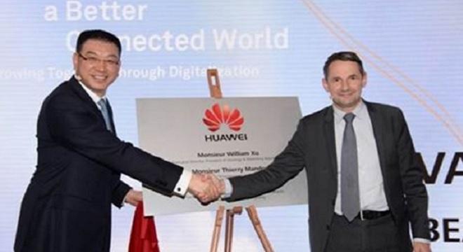 - Huawei-inaugure-un-centre-de-recherche-en-Mathématiques-en-France