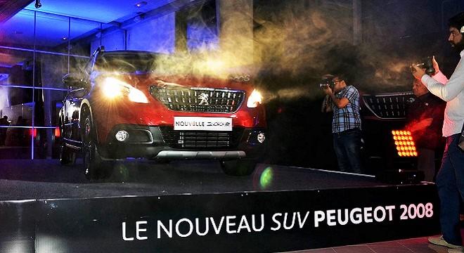 - STAFIM-dévoile-la-Nouvelle-PEUGEOT-2008-le-SUV-compact-de-la-marque-4v