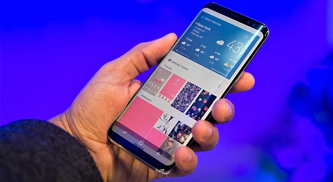 Samsung Galaxy S8 Et S8 Presentes Lors D Une Conference A New